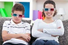 Дети смотря кино 3D Стоковая Фотография