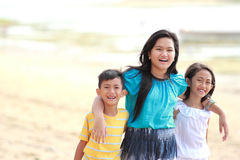 Дети совместно напольные Стоковая Фотография RF