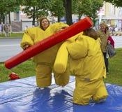 Дети состязаются в веселых боевых искусствах Стоковое Фото