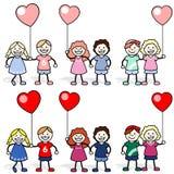 Дети с воздушными шарами сердца форменными Стоковая Фотография RF