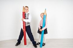 Дети с карандашами Стоковое фото RF