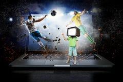 Дети ТВ пристрастившийся Мультимедиа Стоковое Изображение RF