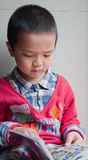 дети учя чтение стоковые изображения rf