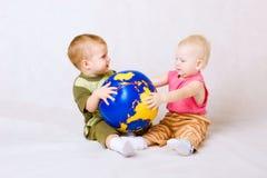 дети шарика стоковое изображение