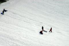 дети sledging Стоковые Фото