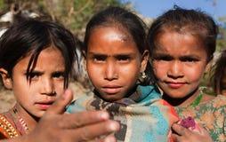 Дети Thtee nepalese, маленькие девочки, в западном Непале Стоковое Фото