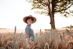 Детство в поле Стоковые Изображения