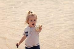 Детство, невиновность, молодость стоковая фотография rf