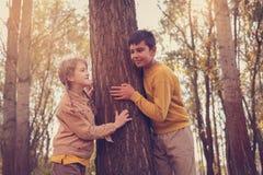 2 дет в парке Стоковые Изображения RF