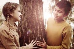 2 дет в парке Стоковые Фотографии RF