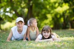 3 дет в парке Стоковые Изображения