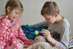 3 дет дома Стоковые Фотографии RF