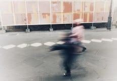 2 дет, который побежали в городе Стоковые Изображения RF