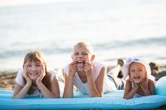 3 дет на пляже Стоковые Изображения