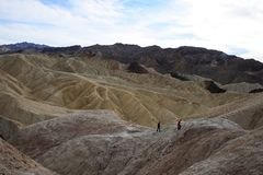 2 дет на этап Zabriskie в национальном парке Калифорния Death Valley стоковое фото rf