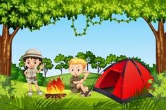 2 дет располагаясь лагерем в древесинах иллюстрация штока