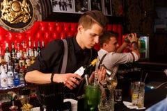 Деятельность бармена Стоковое Фото