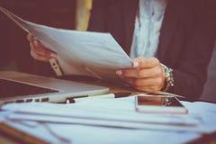 Деятельность бизнес-леди конец вверх Стоковая Фотография RF