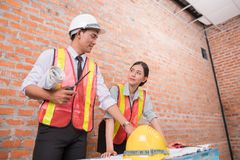 Деятельность женщины и человека инженера Стоковое фото RF