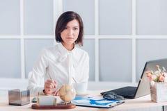 деятельность женщины офиса дела Стоковая Фотография