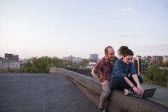 Деятельность при молодости социальных средств массовой информации современная outdoors Стоковые Фотографии RF