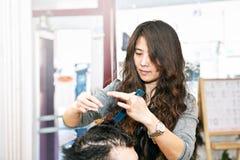 деятельность стилизатора волос Стоковая Фотография