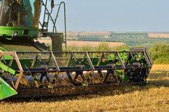 Деятельность жатки зернокомбайна Стоковое Фото