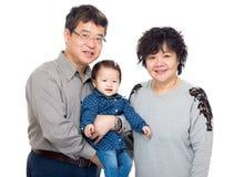 Дед Азии с их внучкой стоковые изображения rf
