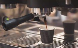 Делать кофе Стоковая Фотография