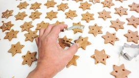 Делать печенья gingerbread Стоковая Фотография
