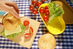 Делать сандвич Стоковое Фото