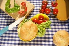 Делать сандвич Стоковая Фотография