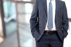 Дело и концепция офиса - buisnessman в костюме сини/военно-морского флота Стоковые Изображения RF