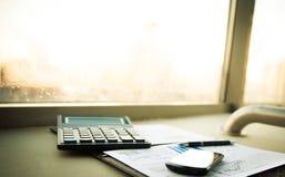 Дело финансового анализа рабочего места Стоковое Изображение RF