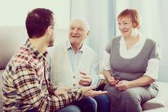 Деды и беседа внука Стоковое Фото