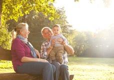 Деды с играть внука Стоковые Изображения RF