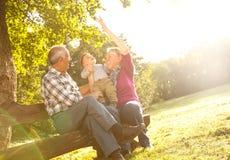 Деды с играть внука Стоковые Фото
