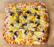 Делюкс квадратная пицца Стоковые Фотографии RF