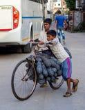 Джайпур, Индия, ежедневные сцены местных людей стоковая фотография