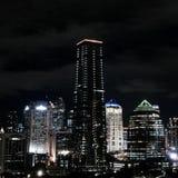 Джакарта на ночи стоковое изображение
