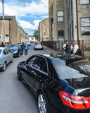 Джереми Corbyn выходя Brierfield после посещения мечети Стоковое Фото