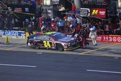 Джеф Гордон racecar и экипаж ямы Стоковые Фото