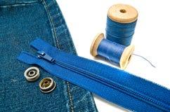Джинсовая ткань с молнией и кнопками Стоковые Изображения RF