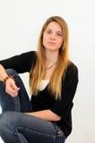 джинсыы девушки предназначенные для подростков Стоковые Фото