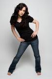 джинсыы нося женщину стоковые фото