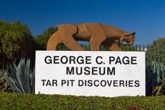 Джордж c Музей страницы на ямах смолки Le Brea Стоковое Изображение