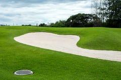 Дзоты песка на поле для гольфа Стоковые Фотографии RF