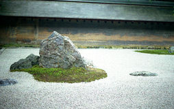 Дзэн ryoanji утеса сада стоковое фото rf