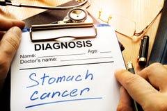 Диагноз рака желудка на диагностической форме стоковые изображения rf