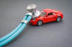 Диагностики, осмотр, ремонт и обслуживание автомобиля стоковое изображение